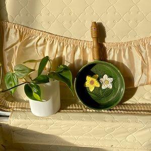 Mini irish daffodil ceramic skillet